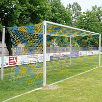 Alu-Fussballtor 7,32x2,44 m, in Bodenhülsen stehend mit freier Netzaufhängung