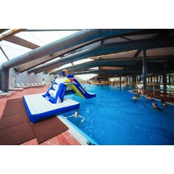 Aquaglide Freefall mit Pool Slide Pad