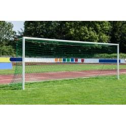 Sport-Thieme Stadion-Grossfeldtor 7,32x2,44m, weiss, in Bodenhülsen stehend, mit SimplyFix Netzbefestigung