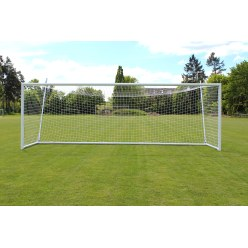 Sport-Thieme But de stade 7,32x2,44m, blanc, autostable, avec support de filet intégral SimplyFix